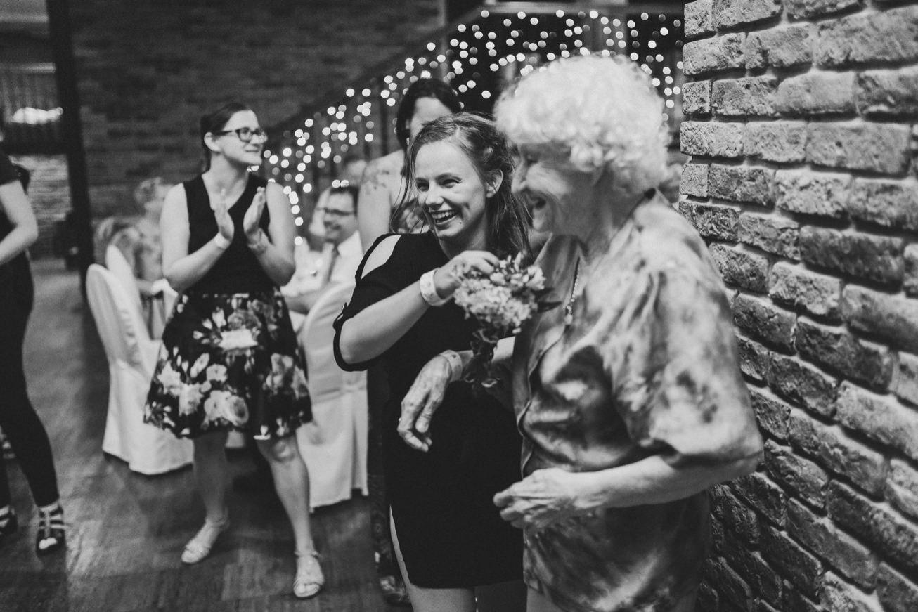 Wedding Photographer Porocni fotograf Ptuj Hotel Primus Peps Wines Zidanica 113