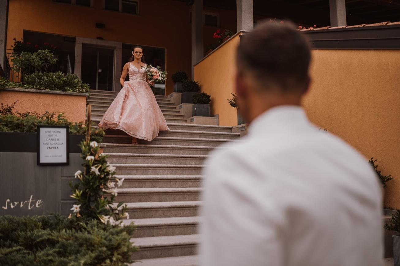 Special sort of house Stanjel Kras Slovenia Poroka Hisa Posebne sorte Tomaz Kos Weddings photographer 11