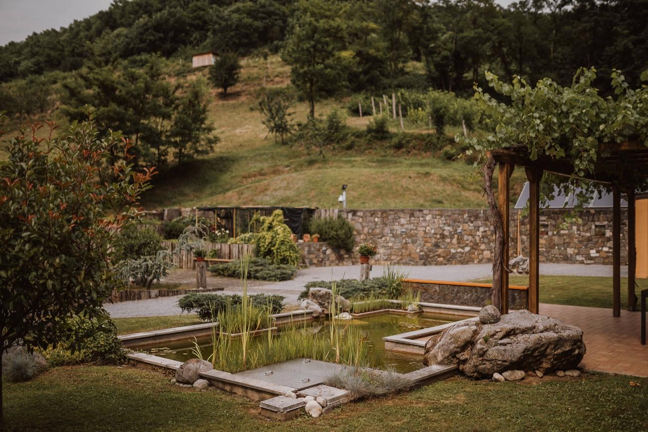 Special sort of house Stanjel Kras Slovenia Poroka Hisa Posebne sorte Tomaz Kos Weddings photographer 2