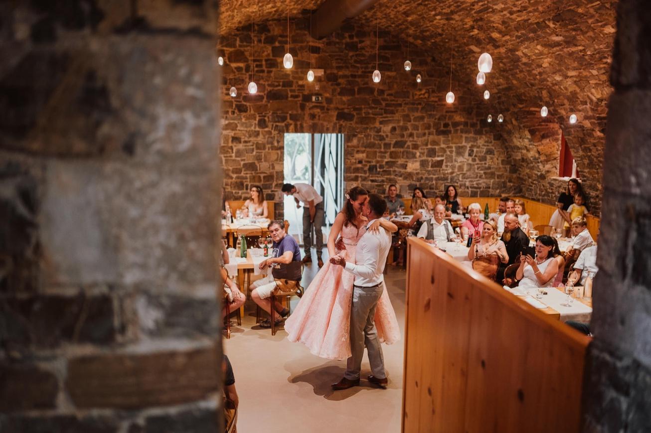 Special sort of house Stanjel Kras Slovenia Poroka Hisa Posebne sorte Tomaz Kos Weddings photographer 56